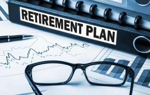 IRA vs. 401(k): Which is the better option?