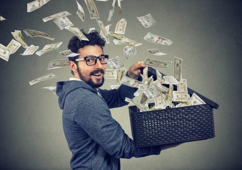 Debt-free man with lots of cash